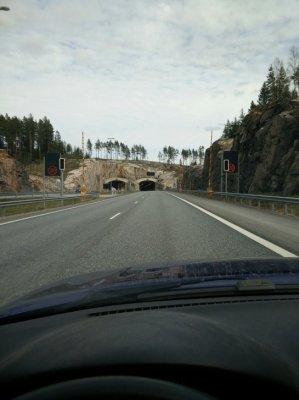 Matkalla tunneliin