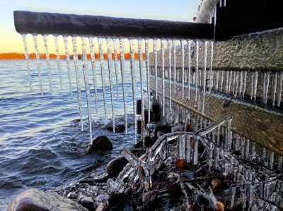 Jääpuikkoja #jääpuikko #talvi #järvi